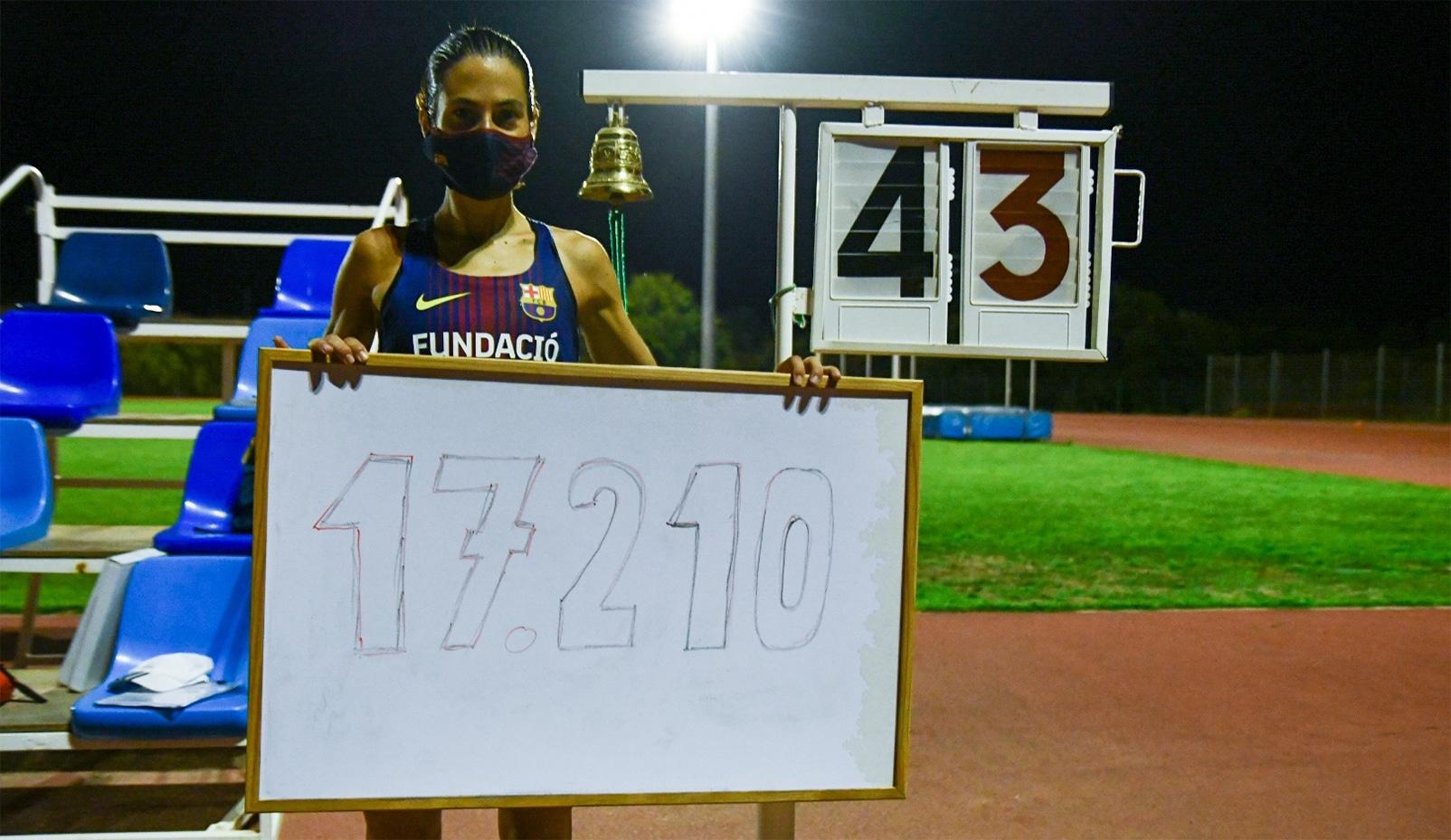 Marta Galimany trenca el rècord estatal de l'hora en pista 5