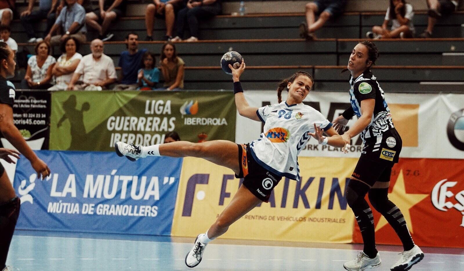 """Martina Capdevila: """"Des de petita he tingut clar que una jugadora d'handbol no pot viure d'aquest esport"""" 5"""