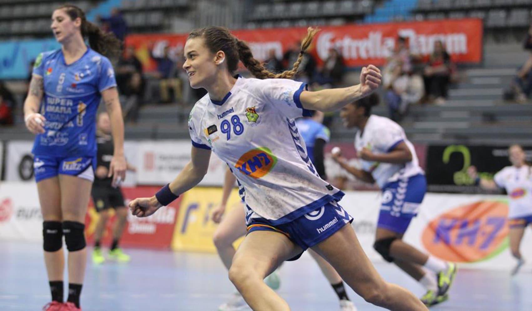"""Martina Capdevila: """"Des de petita he tingut clar que una jugadora d'handbol no pot viure d'aquest esport"""" 6"""